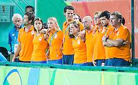 RIO DE JANEIRO -  Begeleidingsteam   tijdens de finale tussen de dames van Nederland en  Groot-Brittannie in het Olympic Hockey Center tijdens de Olympische Spelen in Rio.    COPYRIGHT KOEN SUYK