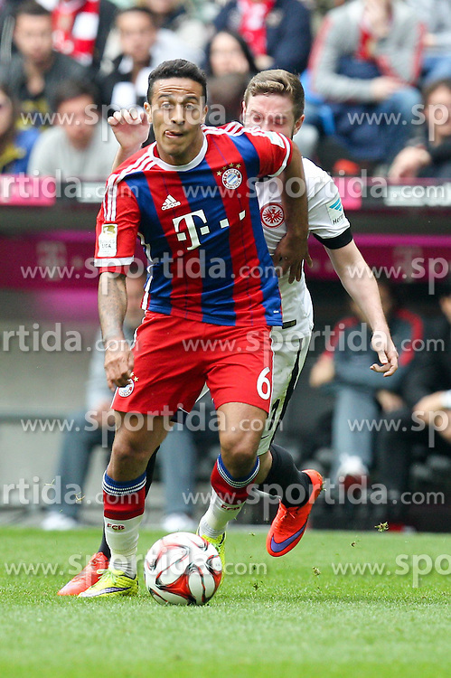 11.04.2015, Allianz Arena, Muenchen, GER, 1. FBL, FC Bayern Muenchen vs Eintracht Frankfurt, 28. Runde, im Bild am Ball Thiago Alcantara #6 (FC Bayern Muenchen) // during the German Bundesliga 28th round match between FC Bayern Munich and Eintracht Frankfurt at the Allianz Arena in Muenchen, Germany on 2015/04/11. EXPA Pictures &copy; 2015, PhotoCredit: EXPA/ Eibner-Pressefoto/ Kolbert<br /> <br /> *****ATTENTION - OUT of GER*****