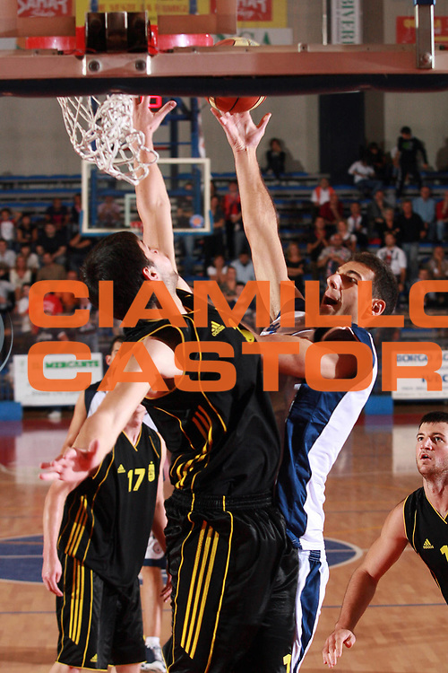 DESCRIZIONE : Biella Lega A1 2008-09 Amichevole Angelico Biella Aris Salonicco<br /> GIOCATORE : Paolo Rotondo<br /> SQUADRA : Angelico Biella<br /> EVENTO : Campionato Lega A1 2008-2009 <br /> GARA : Angelico Biella Aris Salonicco<br /> DATA : 17/09/2008 <br /> CATEGORIA : Tiro<br /> SPORT : Pallacanestro <br /> AUTORE : Agenzia Ciamillo-Castoria/S.Ceretti