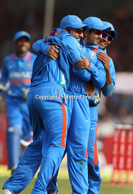 Indian players celebrates after Martin Guptll wicket during the 3rd ODI India vs New Zealand Played at Reliance Stadium, Vadodara, 4 December 2010 (50-over match)