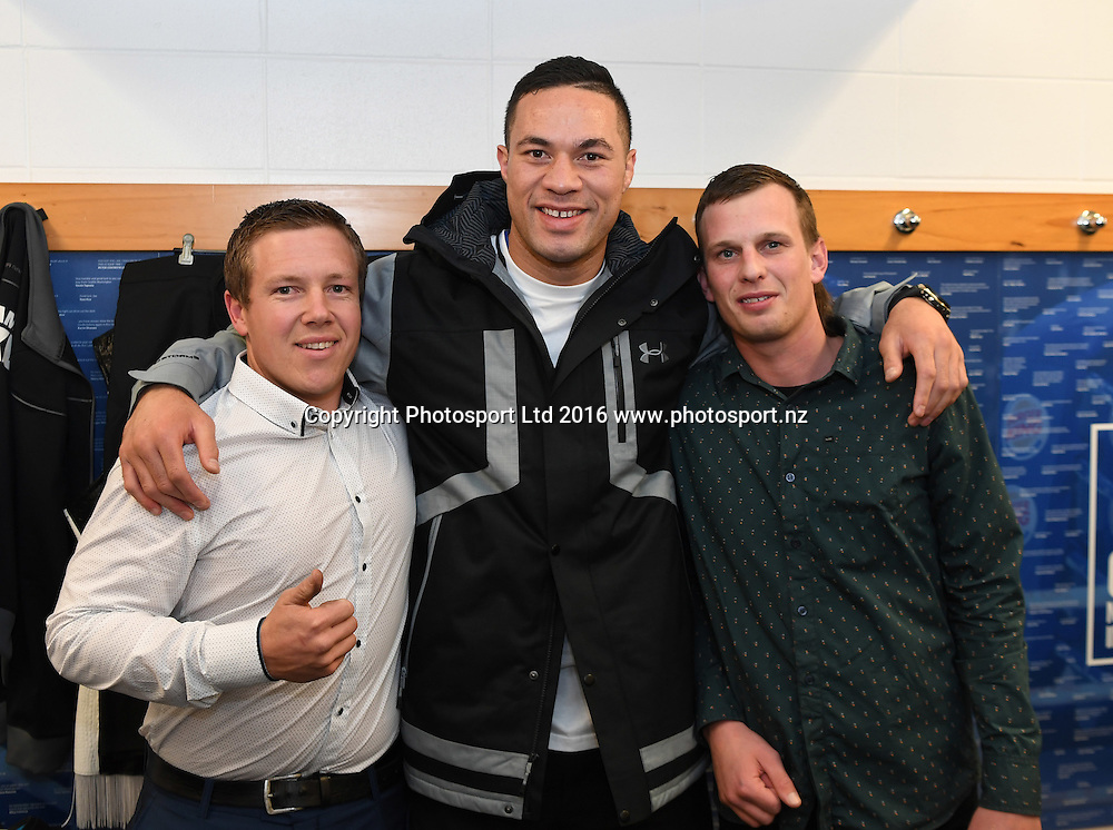 New Zealand Heavyweight boxer Joseph Parker and guests in the dressing room ahead of his fight against French Cameroon boxer Carlos Takam. IBF eliminator. Burger King Road to the Title by Duco Boxing. Vodafone Events Centre, Saturday 21 May 2016. Auckland, New Zealand. © Copyright Photo: Andrew Cornaga / www.photosport.nz