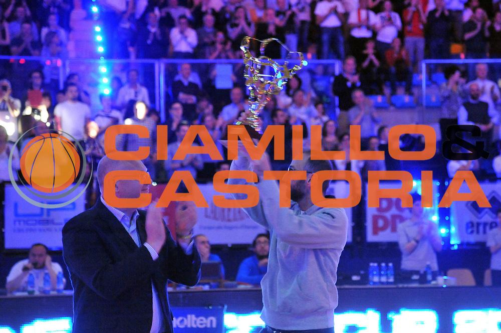 DESCRIZIONE : Biella LNP DNA Adecco Gold 2013-14 Angelico Biella Fileni Bpa Jesi<br /> GIOCATORE : Gabriele Fioretti Massimo Angelico<br /> CATEGORIA : Premiazione<br /> SQUADRA : Angelico Biella<br /> EVENTO : Campionato LNP DNA Adecco Gold 2013-14<br /> GARA : Angelico Biella Fileni Bpa Jesi<br /> DATA : 16/03/2014<br /> SPORT : Pallacanestro<br /> AUTORE : Agenzia Ciamillo-Castoria/S.Ceretti<br /> Galleria : LNP DNA Adecco Gold 2013-2014<br /> Fotonotizia : Biella LNP DNA Adecco Gold 2013-14 Angelico Biella Fileni Bpa Jesi<br /> Predefinita :