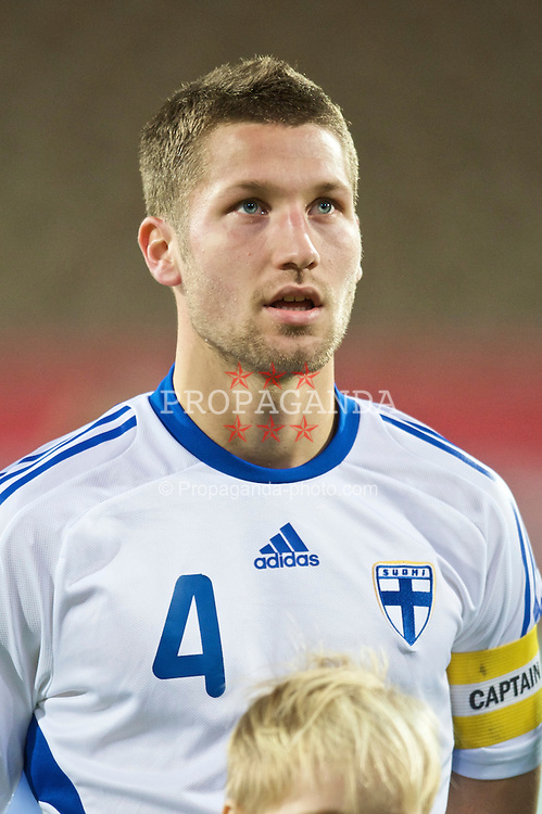 HELSINKI, FINLAND - Friday, October 9, 2009: Finland's captain Joona Toivio (Stormvogels Telstar) before the UEFA Under-21 Championship Qualifying Round Group 4 match against the Netherlands at the Finnair Stadium. (Pic by David Rawcliffe/Propaganda)