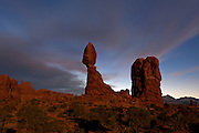 UT00117-00...UTAH - Balanced Rock in Arches National Park.