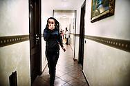 Napoli, Italia - 11 dicembre 2010. Una bambina corre in un dei corridoi del Vergilius hotel di Napoli..Ph. Roberto Salomone Ag. Controluce.ITALY - A child runs through the corridors of Vergilius hotel in Naples on December 11, 2010.