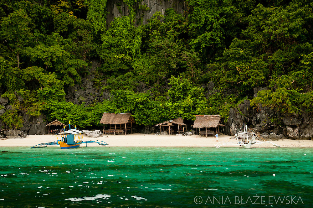 Philippines, Palawan. Picturesque beach on Coron Island.