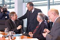 05 FEB 2003, BERLIN/GERMANY:<br /> Wolfgang Clement, SPD, bundeswirtschaftsminister, Hans Eichel, SPD, Bundesfinanzminister, Manfred Stolpe, SPD, Bundesverkehrsminister, und Peter Struck, SPD, Bundesverteidigungsminister, (V.L.n.R.), im Gespraech, vor Beginn der Kabinettsitzung, Bundeskanzleramt<br /> IMAGE: 20030205-01-020<br /> KEYWORDS: Kabinett, Sitzung, Gespräch