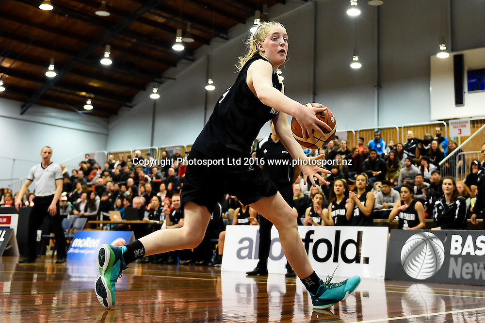 Charlotte Whittaker of the Junior Tall Ferns during the Internation Basketball match, Game 2, Junior Tall Ferns V China, Cowles Stadium, Christchurch, New Zealand. 8th Sept 2016. Copyright Photo: John Davidson / www.photosport.nz