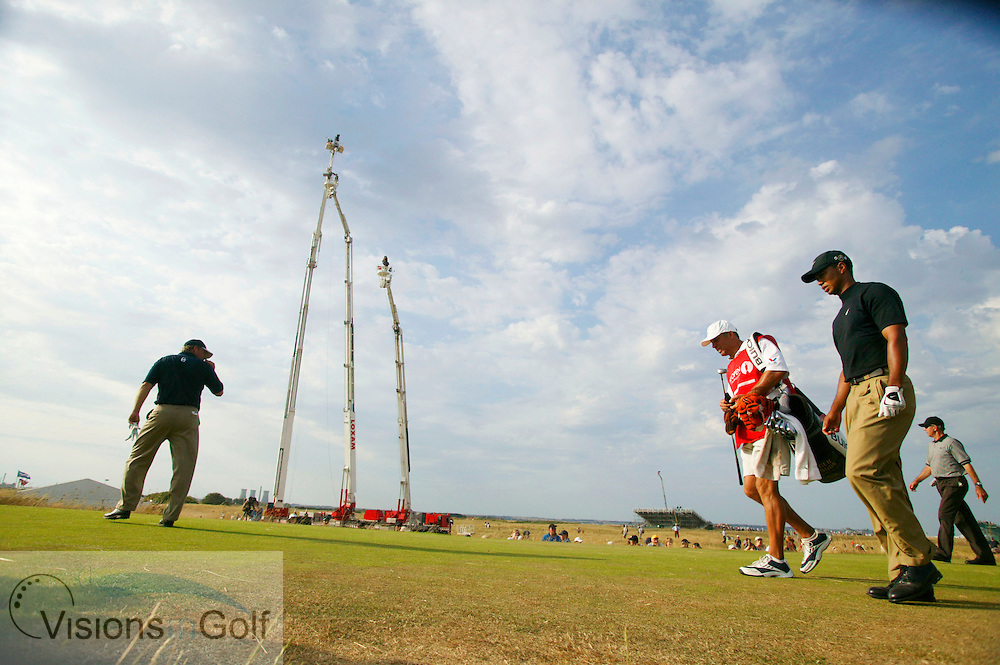 030719/ROYAL ST. GEORGES, SANDWICH, UK/PHOTO MARK NEWCOMBE/THE OPEN CHAMPIONSHIP 2003<br /><br />Tiger Woods walks along the 18th tee on the 3rd day with playing partner Mathia Gronberg in front
