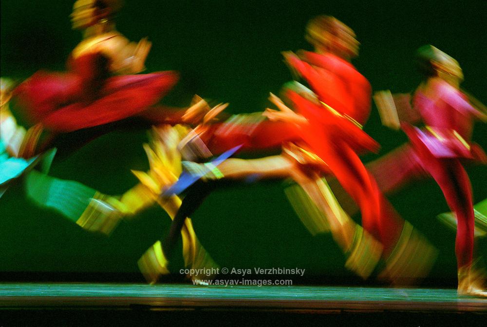 "Royal Ballet in Mark Morris' ""Gong"" October 2002<br /> <br /> Choreography: Mark Morris<br /> Costumes: Isaac Mizrahi"