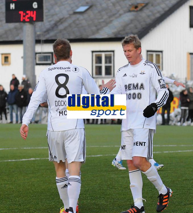 Fotball Treningskamp Rosenborg - GIF Sundsvall<br /> 2 mars  2012<br /> Lerkendal Kunstgress, Trondheim<br /> <br /> Borek Dockal gratulerer Steffen Iversen med 1-0-scoringen til Rosenborg<br /> <br /> Foto : Arve Johnsen, Digitalsport