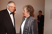 David Hockney and Maggi Hambling. National Portrait Gallery  150th Anniversary Fundraising Gala. National Portrait Gallery. London. 28 February 2006. ONE TIME USE ONLY - DO NOT ARCHIVE  © Copyright Photograph by Dafydd Jones 66 Stockwell Park Rd. London SW9 0DA Tel 020 7733 0108 www.dafjones.com