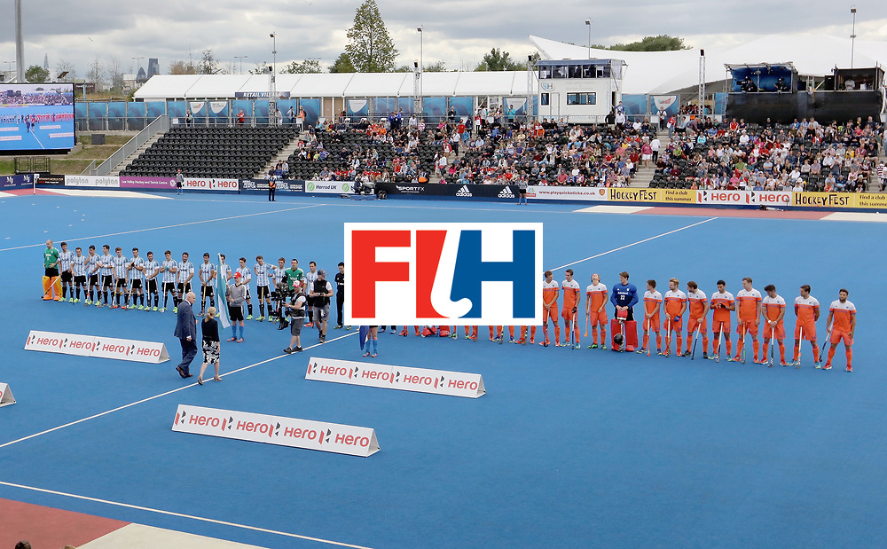 LONDON, ENGLAND - JUNE 25: Argentina and Netherlands teams line up prior to the final match between Argentina and the Netherlands on day nine of the Hero Hockey World League Semi-Final at Lee Valley Hockey and Tennis Centre on June 25, 2017 in London, England. (Photo by Steve Bardens/Getty Images)