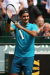 June 22, 2018 - Halle, Westphalia, Allemagne - Germany, Halle, Westphalia, Tennis, Gerry Weber Open 2018...Swiss player Roger Federer (SUI) celebrating his qualification for the semi final in Halle at Gerry Weber open 2018 (Credit Image: © Panoramic via ZUMA Press)