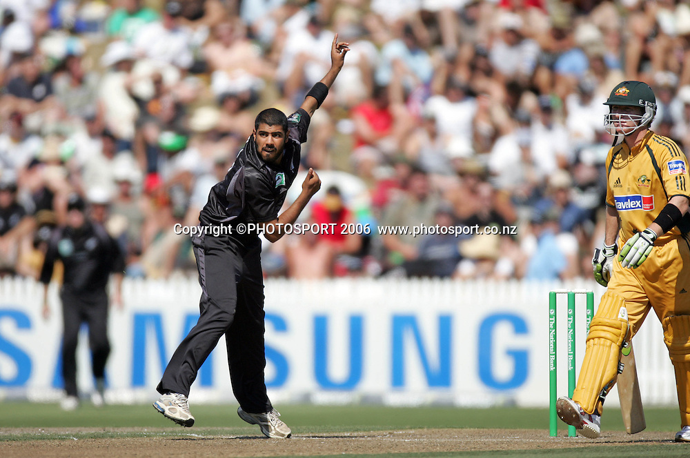 NZ spin bowler Jeetan Patel in action during the 3rd Chappell Hadlee one day match at Seddon Park, Hamilton, New Zealand on Tuesday 20 February 2007. Photo: Andrew Cornaga/PHOTOSPORT<br /> <br /> <br /> 200207