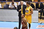 DESCRIZIONE : Torino Lega A 2015-16  Manital Auxilium Torino vs Umana Reyer Venezia<br /> GIOCATORE : Andre Dawkins Luca Bechi<br /> CATEGORIA : fair Play curiosita<br /> SQUADRA : Manital Auxilium Torino<br /> EVENTO : Campionato Lega A 2015-2016<br /> GARA : Manital Auxilium Torino vs Umana Reyer Venezia<br /> DATA : 05/10/2015<br /> SPORT : Pallacanestro <br /> AUTORE : Agenzia Ciamillo-Castoria/GiulioCiamillo<br /> Galleria : Lega Basket A 2015-2016  <br /> Fotonotizia : Torino  Lega A 2015-16 Manital Auxilium Torino vs Umana Reyer Venezia<br /> Predefinita :