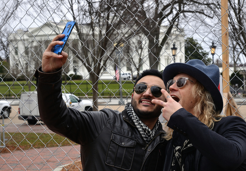 Jukka Hilden is  a Finnish stunt performer, actor and member of the extreme stunt group The Dudesons. Invited to the White House for a digital influencer group.<br /> Outside the White House he is spotted by an American fan from Pakistan and asked for a selfie.