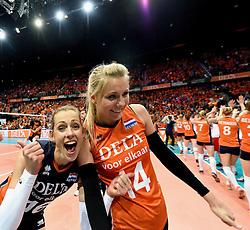 03-10-2015 NED: Volleyball European Championship Semi Final Nederland - Turkije, Rotterdam<br /> Nederland verslaat Turkije in de halve finale met ruime cijfers 3-0 / Debby Pilon-Stam #16, Laura Dijkema #14