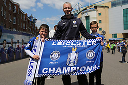 Leicester City fans outside Stamford Bridge - Mandatory byline: Jason Brown/JMP - 15/05/2016 - FOOTBALL - London, Stamford Bridge - Chelsea v Leicester City - Barclays Premier League