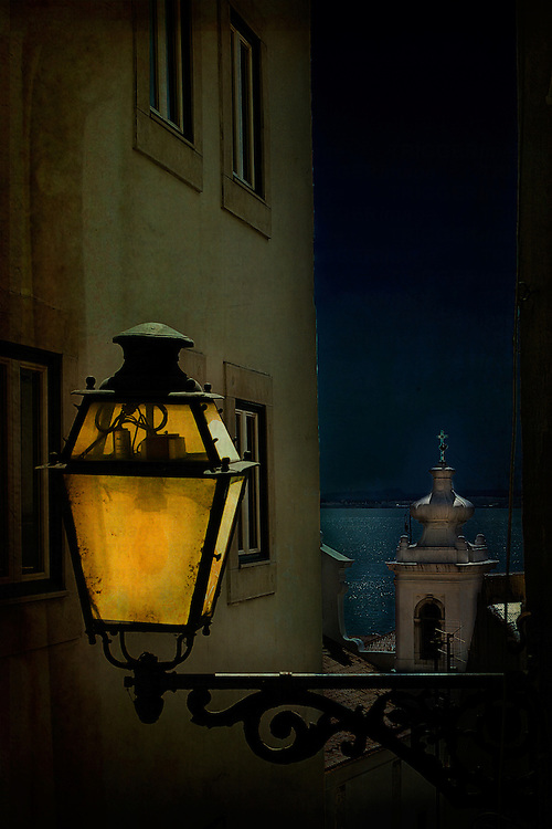 An old fashioned street light