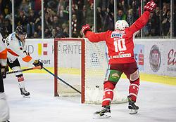 05.04.2019, Stadthalle, Klagenfurt, AUT, EBEL, EC KAC vs Moser Medical Graz 99ers, Halbfinale, 4. Spiel, im Bild gRobin Weihager (Moser Medical Graz 99ers, #7), Andrew KOZEK (EC KAC, #10), Nick PETERSEN (EC KAC, #8), Robin Weihager (Moser Medical Graz 99ers, #7), Robin Rahm (Moser Medical Graz 99ers, #35) // during the Erste Bank Icehockey 4th semifinal match between EC KAC and Moser Medical Graz 99ers at the Stadthalle in Klagenfurt, Austria on 2019/04/05. EXPA Pictures © 2019, PhotoCredit: EXPA/ Gert Steinthaler