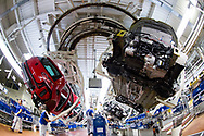 Produktion im VW Werk: Montage Drehg&auml;nge / 090317<br /> <br /> <br /> ***Production of VW cars such as Golf and E Golf at the factory in Wolfsburg, Germany on March 9, 2017***