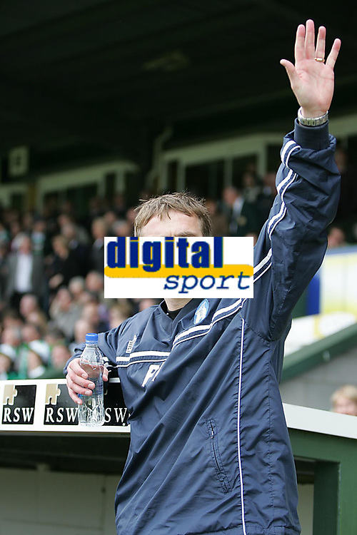 Photo: Lee Earle.<br /> Yeovil Town v Colchester United. Coca Cola League 1. 06/05/2006. Colchester manager Phil Parkinson.