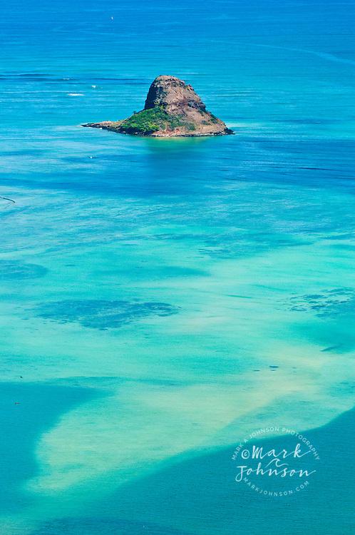 Mokolii Island, known locally as Chinaman's Hat, Kaneohe Bay, Oahu, Hawaii