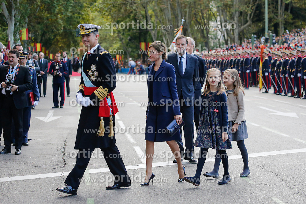 12.10.2015, Madrid, Madrid, ESP, Spanischer Nationalfeiertag, Royals, im Bild King Felipe VI of Spain, Princess Sofia of Spain, Princess Leonor of Spain and Queen Letizia of Spain // during the celebration of the Spanish National Day military parade in Madrid in Madrid, Spain on 2015/10/12. EXPA Pictures &copy; 2015, PhotoCredit: EXPA/ Alterphotos/ Victor Blanco<br /> <br /> *****ATTENTION - OUT of ESP, SUI*****