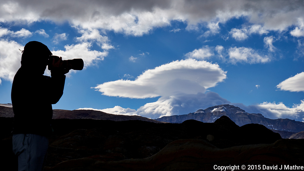 Silhouette and lenticular clouds in Patagonia. Image taken with a Fuji X-T1 camera and 55-200 mm lens (ISO 200, 55 mm, f/16, 1/250 sec).