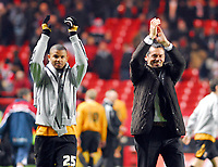 Photo: Leigh Quinnell/Sportsbeat Images.<br /> Charlton Athletic v Hull City. Coca Cola Championship. 22/12/2007. Hull manager Phil Brown and goalscorer Frazier Campbell thank the travelling fans.