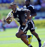 New Zealand's David Raikuna against England at the IRB International Rugby Sevens, Westpac, Wellington, New Zealand, Friday, February 01, 2013. Credit:SNPA / Ross Setford