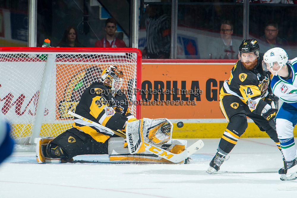 REGINA, SK - MAY 21: Kaden Fulcher #33 of Hamilton Bulldogs makes a second period save against the Swift Current Broncos at the Brandt Centre on May 21, 2018 in Regina, Canada. (Photo by Marissa Baecker/CHL Images)