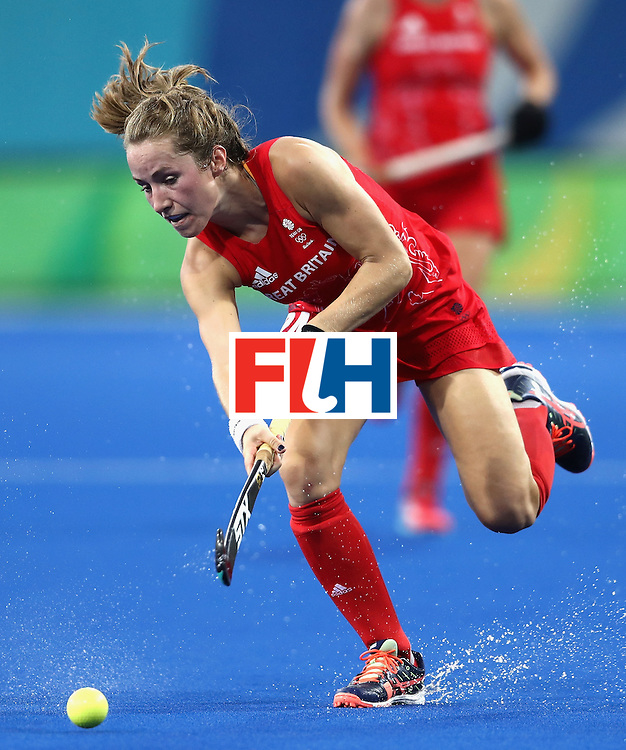 RIO DE JANEIRO, BRAZIL - AUGUST 19:  Shona McCallin of Great Britain in action against Netherlands on Day 14 of the Rio 2016 Olympic Games at the Olympic Hockey Centre on August 19, 2016 in Rio de Janeiro, Brazil.  (Photo by David Rogers/Getty Images)