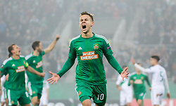 20.19.2016, Weststadion, Wien, AUT, UEFA EL, SK Rapid Wien vs US Sassuolo Calcio, Gruppe F, im Bild Louis Schaub (SK Rapid Wien) jubelt ueber das Tor zum 1:0 // during a UEFA Europa League, group F game between SK Rapid Wien and US Sassuolo Calcio at the Weststadion, Vienna, Austria on 2016/10/20. EXPA Pictures © 2016, PhotoCredit: EXPA/ Sebastian Pucher