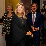 26-10-2016 ROTTERDAM - Queen M&aacute;xima is Wednesday October 26 attended the first Regional Growth Chamber, an event organized by NLgroeit and Innovation Quarter. The meeting will take place at the Chamber of Commerce in Rotterdam. COPYRIGHT ROBIN UTRECHT<br /> 26-10-2016  ROTTERDAM - Koningin M&aacute;xima is woensdagavond 26 oktober aanwezig bij de eerste regionale Groeikamer, een evenement georganiseerd door NLgroeit en InnovationQuarter. De bijeenkomst vindt plaats bij de Kamer van Koophandel in Rotterdam. COPYRIGHT ROBIN UTRECHT