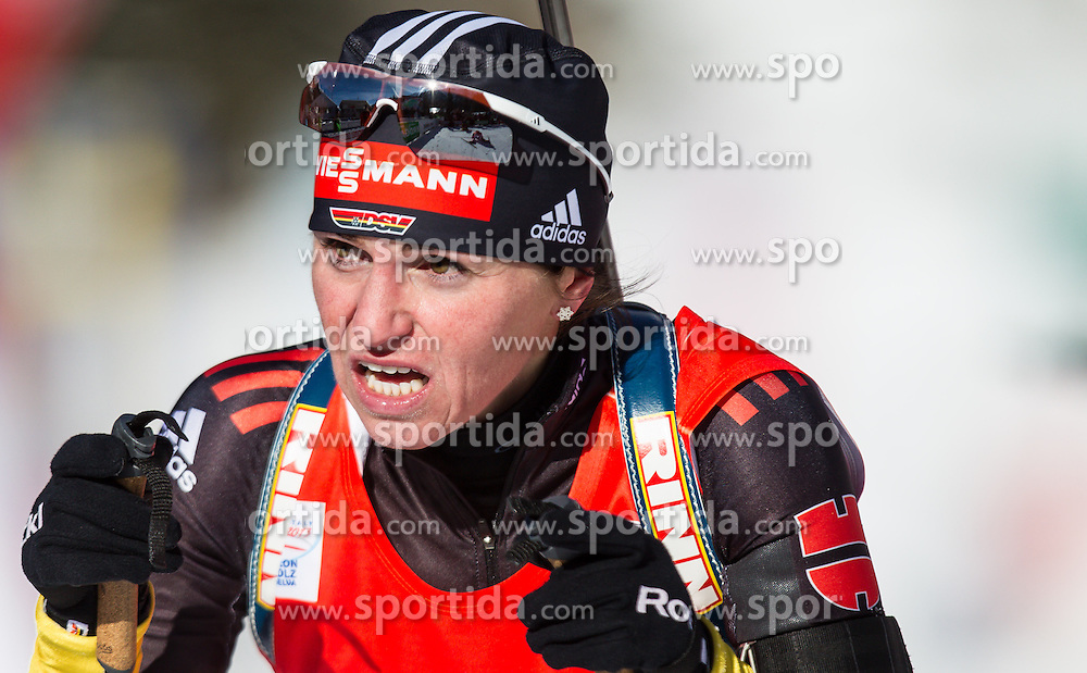 19.01.2013, Suedtirol Arena, Antholz, ITA, E. ON IBU Weltcup, Verfolgung, Damen, im Bild Andrea Henkel (GER) // Andrea Henkel of Germany  during Womens Pursuit of E. ON IBU Biathlon World Cup at the Biathlonstadium in Anterselva, Italy on 2013/01/19. EXPA Pictures © 2013, PhotoCredit: .EXPA/ Juergen Feichter