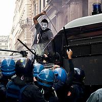 Movimenti per la casa,scontri con la polizia