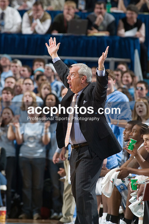 04 February 2006:  UNC head coach Roy Williams during a Clemson Tigers 61-76 loss to the North Carolina Tarheels, in the Dean Smith Center in Chapel Hill, NC..