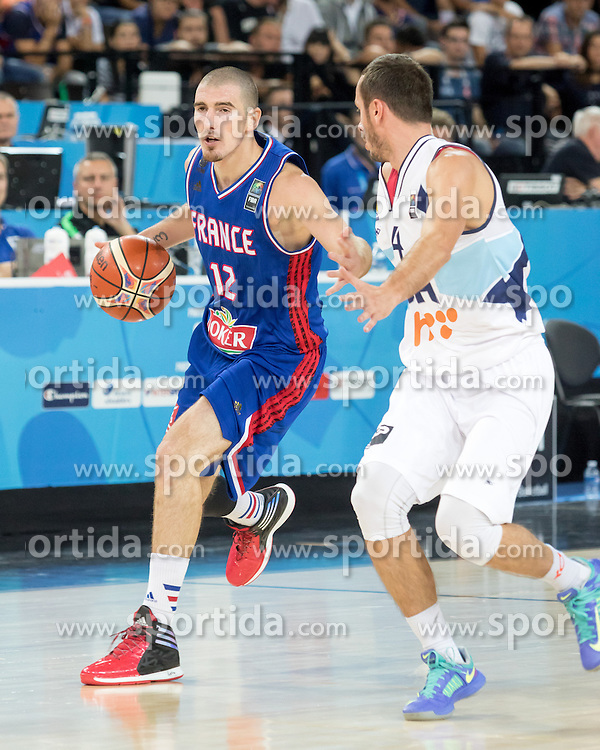 06.09.2015, Park Suites Arena, Montpellier, FRA, Bosnien und Herzegowina vs Frankreich, Gruppe A, im Bild NANDO DE COLO (12), MUHAMED PASALIC (4) // during the FIBA Eurobasket 2015, group A match between Bosnia an Herzegowina and France at the Park Suites Arena in Montpellier, France on 2015/09/06. EXPA Pictures &copy; 2015, PhotoCredit: EXPA/ Newspix/ Pawel Pietranik<br /> <br /> *****ATTENTION - for AUT, SLO, CRO, SRB, BIH, MAZ, TUR, SUI, SWE only*****
