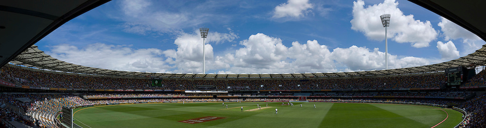 The first Ashes Test Match between Australia and England at the Gabba, Brisbane. Photo: Graham Morris (Tel: +44(0)20 8969 4192 Email: sales@cricketpix.com) 26/11/10