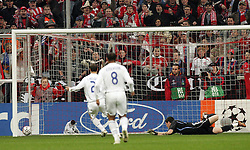 Munich, Germany - Wednesday, March 7, 2007:   Real Madrid's goalkeeper Iker Casillas is beaten for the opening goal by Bayern Munich's Roy Makaay in the opening minute during the UEFA Champions League First Knock-out Round 2nd Leg at the Allianz Arena. (Pic by Christian Kolb/Propaganda/Hochzwei) +++UK SALES ONLY+++