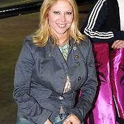 NLD/Amsterdam/20051208 - BN´ers beschilderen Martinair vliegtuigstoelen, actie Pimp my Chair voor de veiling SOS Kinderdorpen, Fiona Hering en