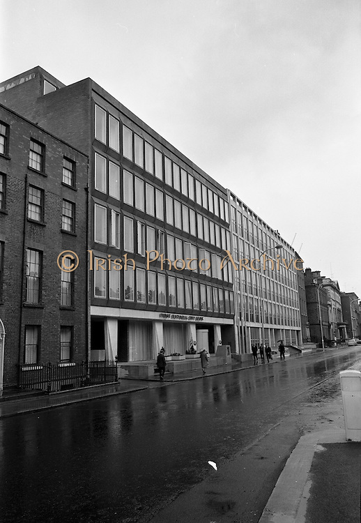 17/08/1967<br /> 08/17/1967<br /> 17 August 1967<br /> View of street and exterior of the First National City Bank, St. Stephen's Green, Dublin.
