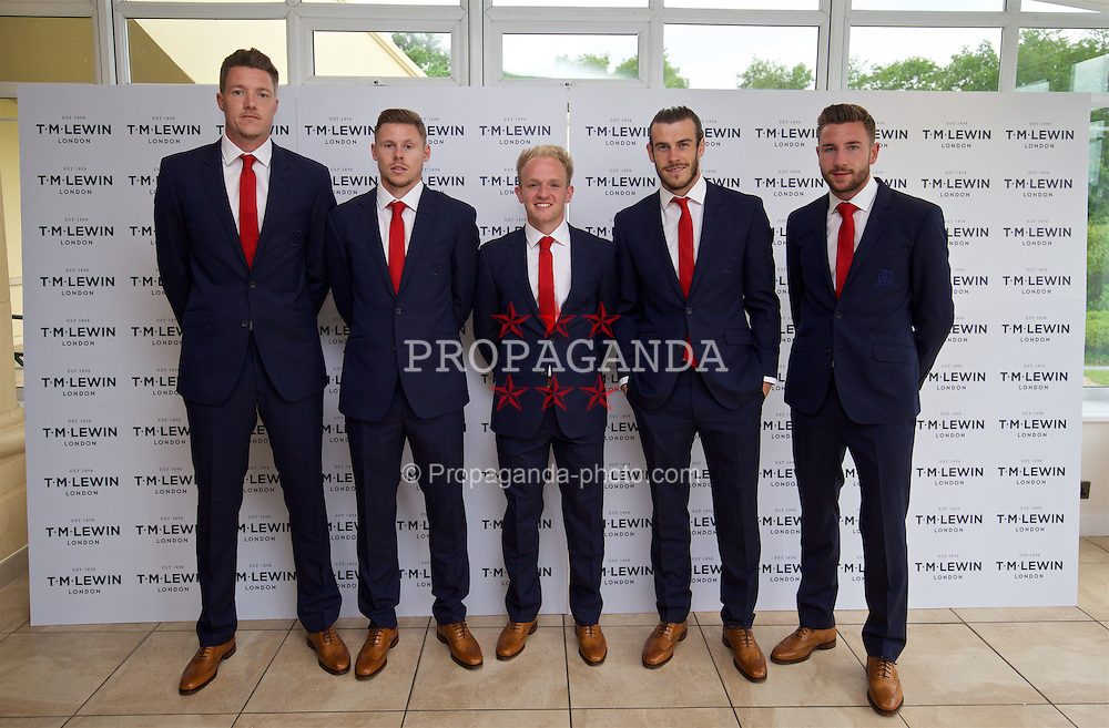 CARDIFF, WALES - Wednesday, June 1, 2016: goalkeeper Wayne Hennessey, Simon Church, Jonathan Williams, Gareth Bale and Paul Dummett wearing T.M. Lewin suits before a charity send-off gala dinner at the Vale Resort Hotel ahead of the UEFA Euro 2016. (Pic by David Rawcliffe/Propaganda)