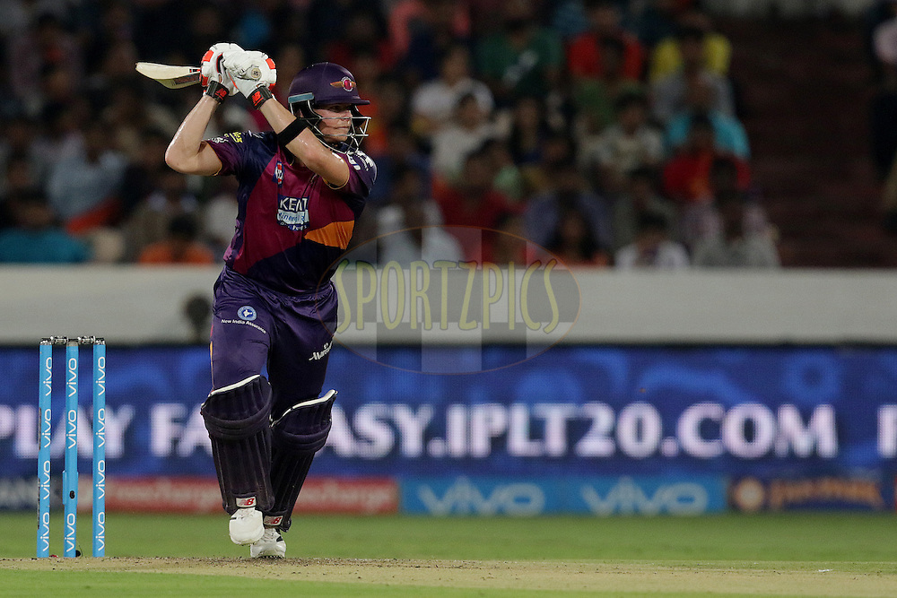 Steven Smith of Rising Pune Supergiants plays a shot during match 22 of the Vivo IPL 2016 (Indian Premier League ) between the Sunrisers Hyderabad and the Rising Pune Supergiants held at the Rajiv Gandhi Intl. Cricket Stadium, Hyderabad on the 26th April 2016<br /> <br /> Photo by Rahul Gulati / IPL/ SPORTZPICS
