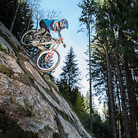 Downhill mountainbiking in Bikepark Leogang for Bikefreak Magazine