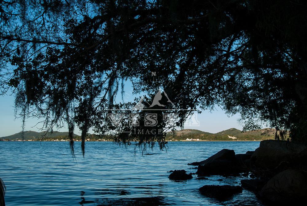 Passeio de canoa, canoe ride, Lagoa da Conceição, Florianópolis, Santa Catarina, foto de Zé Paiva - Vista Imagens