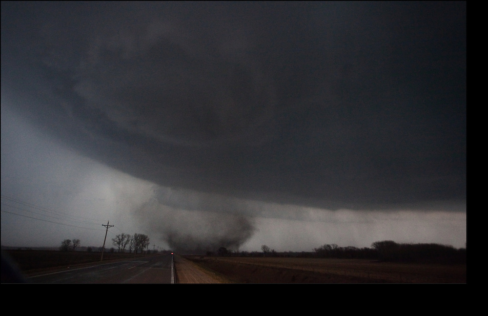 Forming EF-3 tornado near Mapleton, Iowa before it ripped apart 60% of the town.