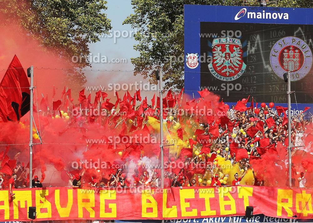 30.08.2015, Volksbank Stadion, Frankfurt, GER, 2. FBL, FSV Frankfurt vs FC St. Pauli, 5. Runde, im Bild v.l. St. Pauli Fans Pyro // during the 2nd German Bundesliga 5th round match between FSV Frankfurt and FC St. Pauli at the Volksbank Stadion in Frankfurt, Germany on 2015/08/30. EXPA Pictures &copy; 2015, PhotoCredit: EXPA/ Eibner-Pressefoto/ Voelker<br /> <br /> *****ATTENTION - OUT of GER*****